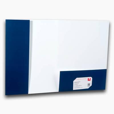 Mappe mit blauen Taschen
