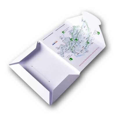 Weiße A6 Mappe mit 3 Laschen und Landkarte