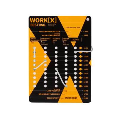 Spielkarte - Fädelspiel - Lindner steht für Beratung - Kreation - Veredelung - Druck - Konfektionierung