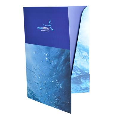Blaue Laschenmappe Wellen