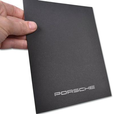 Schwarze Porsche Mappe mit UV-Lack